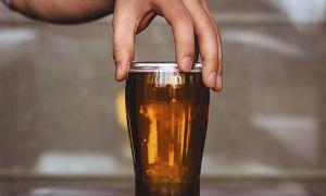 Можно ли употреблять пиво при гастрите, мнение врачей, особенности напитка