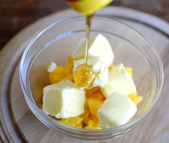 Сливочное масло и мед