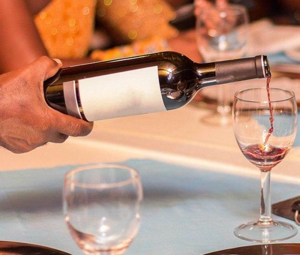 Алкоголь способствует возникновению острого геморрагического гастрита